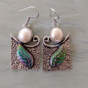 Jewelry - Gorgeous pearl shell leaf engraved earrings